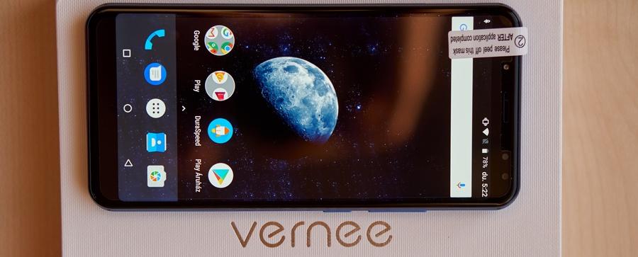 Vernee X szemből